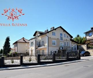 Willa Różana - Apartamenty i Pokoje Gościnne